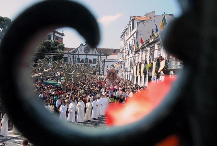 O ano em que o Resplendor do Senhor Santo Cristo saiu da ilha de São Miguel